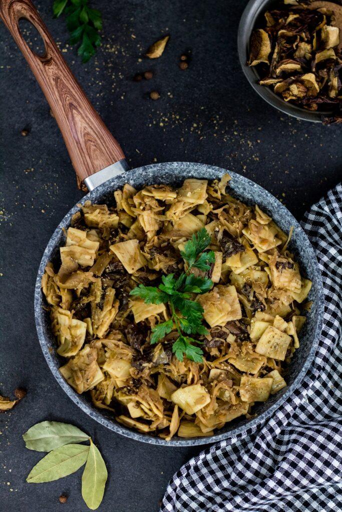 Łazanki z kapustą i grzybami pyszne sycące danie