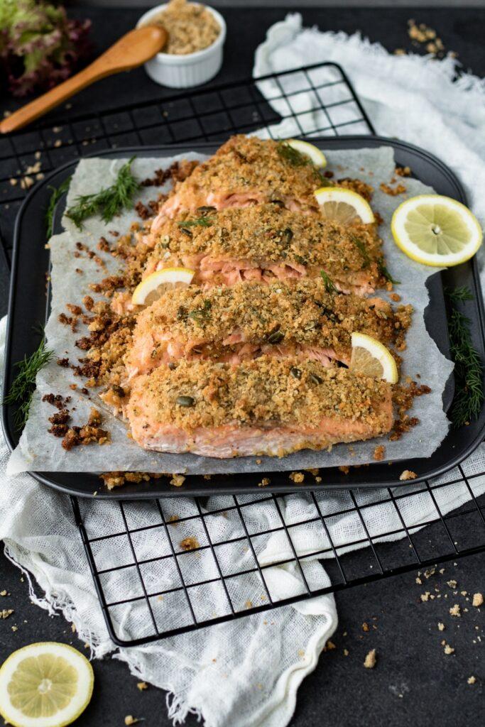 pyszna ryba pieczona pod kruszonką