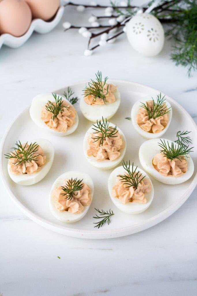 Jajka faszerowane tuńczykiem przepis