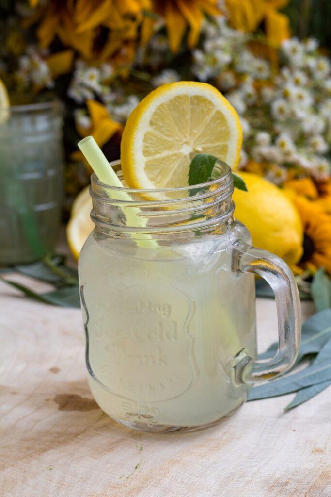 Lemoniada cytrynowa przepis